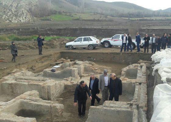 بقایای قلعه باستانی یل سویی گرمی به سایت گردشگری تبدیل گردد