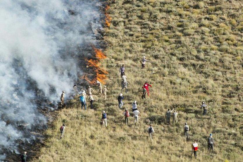 25 هکتار از اراضی مناطق حفاظت شده زنجان در آتش سوخت