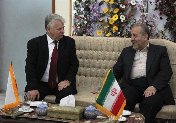 رئیس مجلس سنای لهستان برای توسعه مبادلات گردشگری به اصفهان سفرکرد