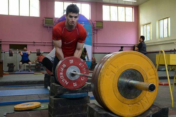 عمادی و خاکپور نایب قهرمان دسته 102 کیلوگرم شدند