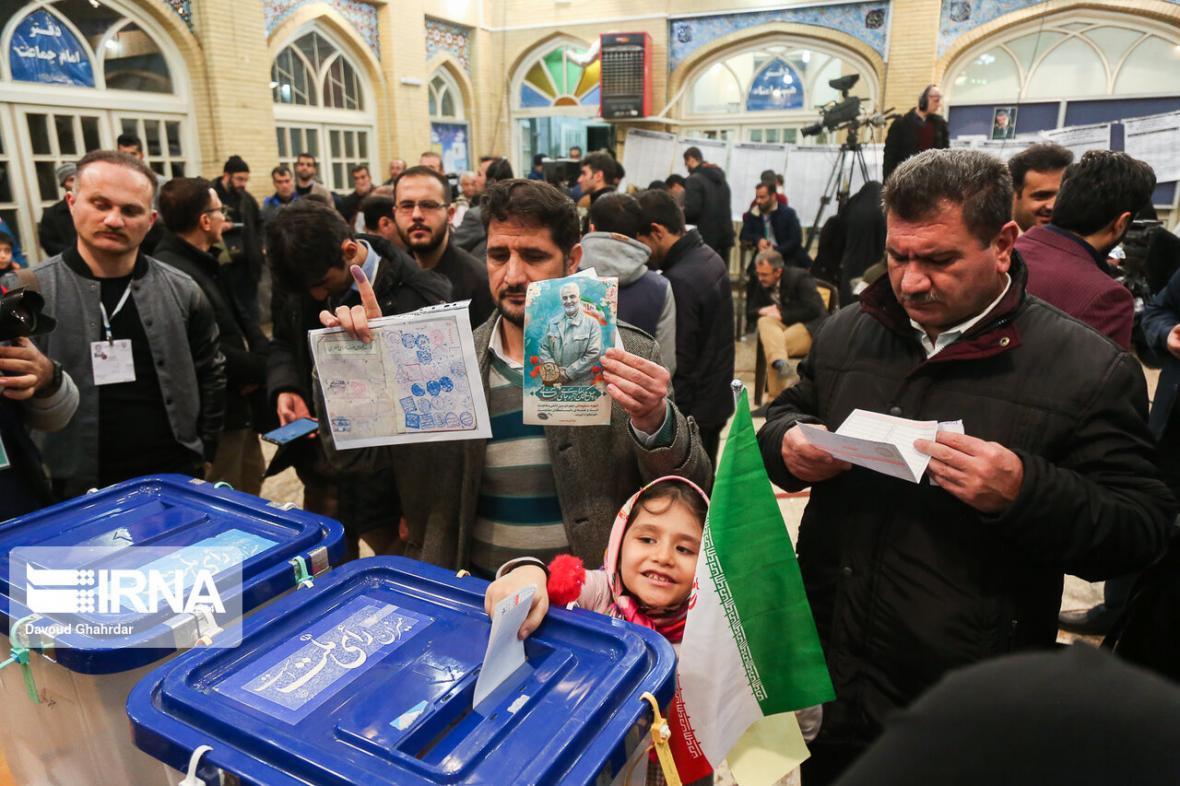 خبرنگاران انتخابات با مشارکت مطلوب مردم سیستان و بلوچستان در حال برگزاری است