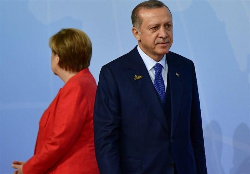 رایزنی تلفنی مرکل و اردوغان درباره مسئله پناهندگان