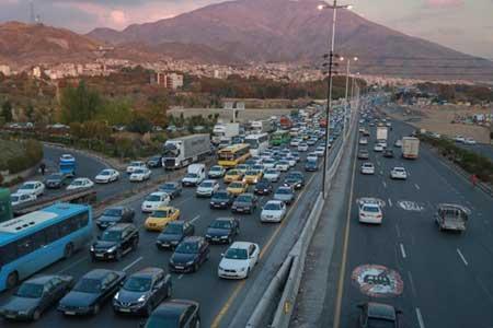 کمترین تردد جاده ای بین ساعات 3 تا 4 صبح ، 11 جاده مسدود است