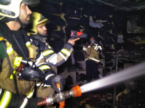 خبرنگاران مغازه ای در پاساژ مهستان تهران طعمه آتش شد