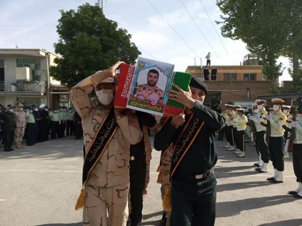پیکر مطهر شهید حسین نامور در قروه تشییع شد
