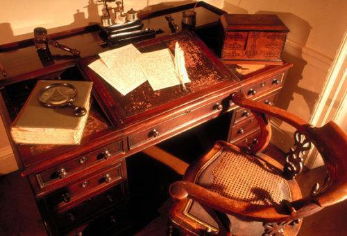 دفتر کار افراد مشهور؛ از مرکل و کلینتون تا ایلان ماسک و وارن بافت