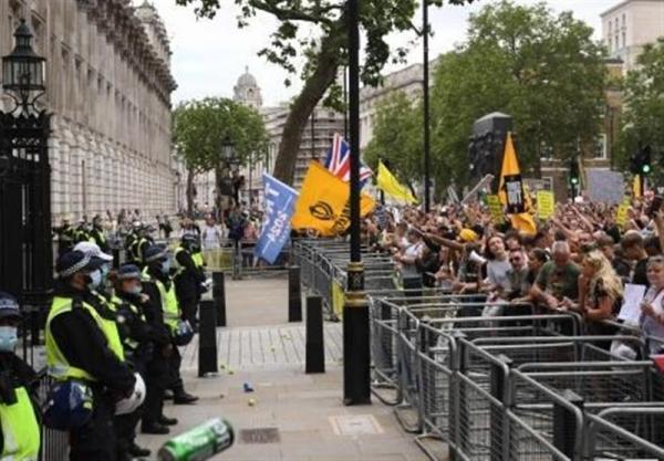 اعتراضات گسترده علیه قواعد کرونایی دولت در انگلیس
