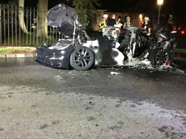 تسلا مدل اس Plaid در پنسیلوانیا آمریکا دچار آتش سوزی شد